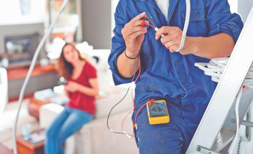Electricista en Valencia: ¿Cómo encontrar un buen profesional?